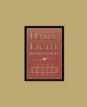 Daily Light Devotional : Burgundy
