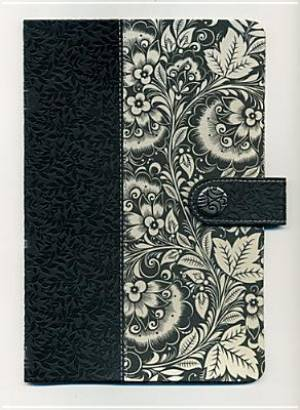 NKJV Womens Designer Fabric Bible: Black & White,