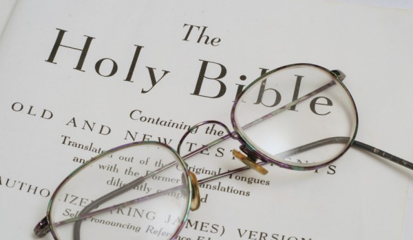 Large Print and Easy to Read Bibles